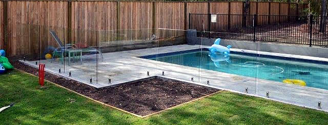What to Consider When Selecting Your Pool Fence